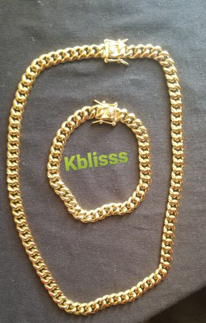 🔥🔥🔥14k Gold Plated Miami Cuban Link Chain and Bracelet Set....Available for Delivery 🚗🚚 or Pick up for Sale in Miami, FL