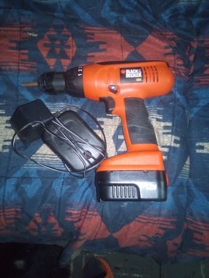 Black and Decker 12v cordless drill with charger for Sale in Springfield, IL