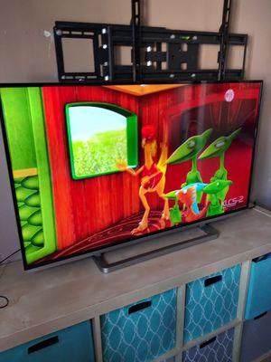 Tv toschiba de 50 inch smart vien delgadita en buen estado no remote no comtrol firmm 180$ for Sale in Los Angeles, CA