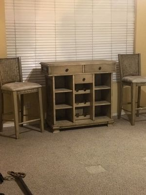 "Bar set w/ 2 - 30"" barstools for Sale in Glendale, AZ"