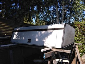 Short bed camper shell w top racks low price for Sale in Medford, OR