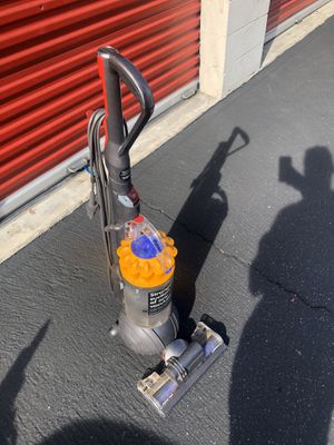 Dyson ball animal vacuum for Sale in Ontario, CA