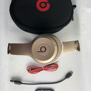 Genuine Studio Wireless Beats By Dre Rose Color for Sale in Los Angeles, CA