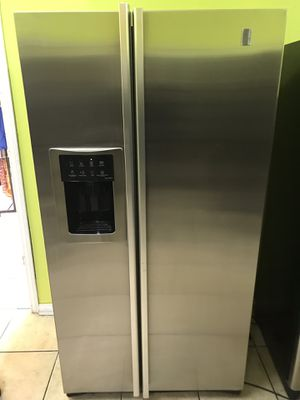 REFRIGERATOR GENERAL ELECTRIC PROFILE STAINLESS STEEL WATER DISPENSER ICE MAKER MACHINE for Sale in Los Angeles, CA
