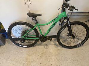 Trek mountain bike 15.5 disc brake used only one like nw for Sale in Chula Vista, CA