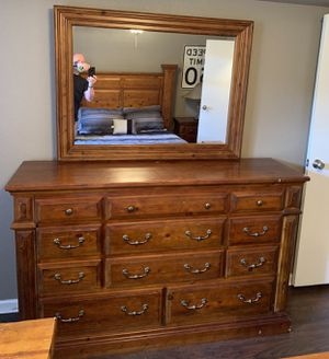 Dresser for Sale in Temecula, CA