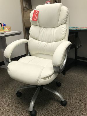 High Back Office Chair, White for Sale in Garden Grove, CA