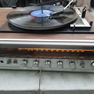 plays lp and track 8 records made in Japan, with 190 vinyl lp records and 8 track 8 cartridges is working good for Sale in Huntington Beach, CA