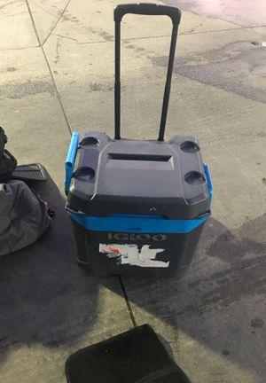 Igloo cooler for Sale in San Bernardino, CA