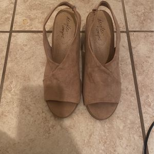 Sz 8 Wide Width Heels for Sale in San Antonio, TX