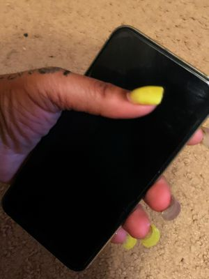 Silver Iphone 11 Pro Maxx for Sale in Albemarle, NC
