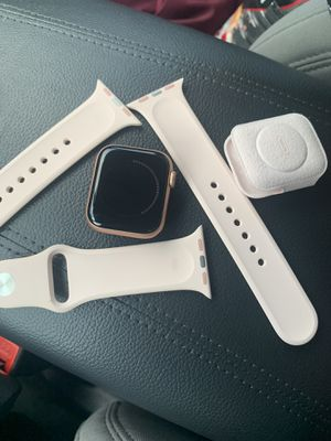 Series 5 Apple Watch for Sale in Essex, MD