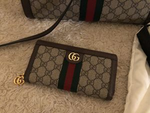 Authentic Gucci wallet for Sale in Irvine, CA