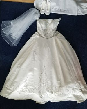 Stunning embrodiered wedding dress for Sale in West McLean, VA