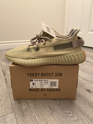(Size 9.5) Yeezy 350 V2 Sulfur for Sale in Orange, CA