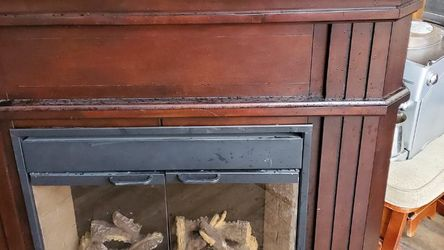 Nice Electric Fireplace for Sale in East Wenatchee,  WA