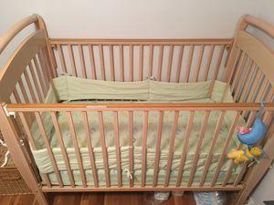 Crib, mattress, sheets and bumper set for Sale in Mountlake Terrace, WA