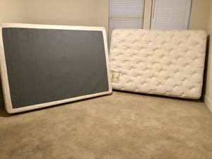 FREE Mattress and Box Spring (Must pick-up by 4/20) for Sale in Austin, TX