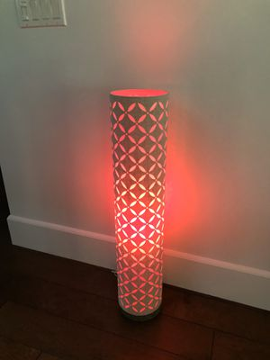 3 feet floor lamp for Sale in Glendale, CA