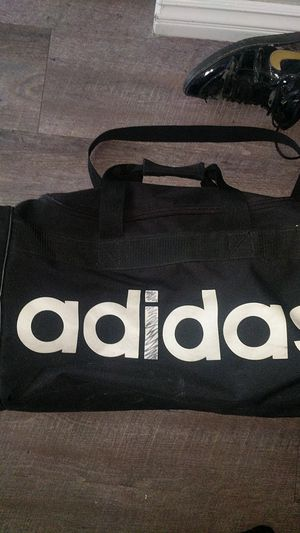 Adidas duffle bag for Sale in Colton, CA