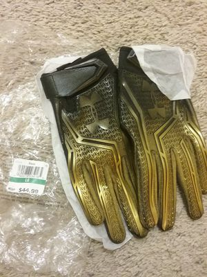 184c9f5b6 Under armour custom football gloves...size lrg for Sale in Merced