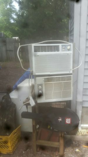 2 5050 ac window units for Sale in Egg Harbor Township, NJ