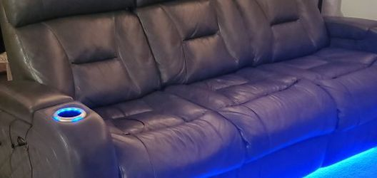Leather Recliner Couch for Sale in San Diego,  CA