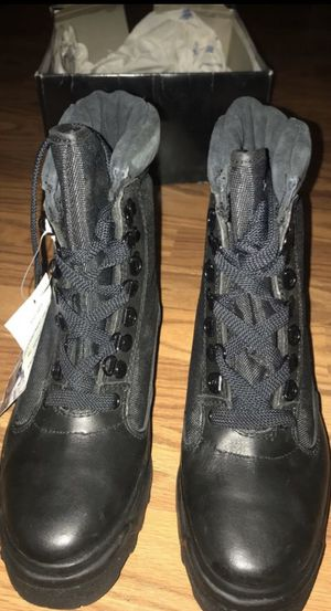 Boots Wallerbachs Mid calf for Sale in San Diego, CA