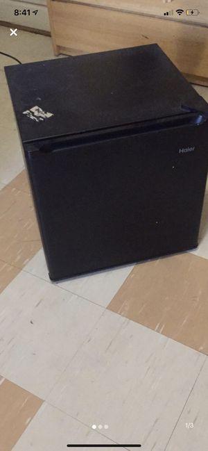 Haier mini fridge for Sale in Bowie, MD