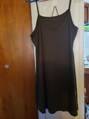 Green nightgown for Sale in Klamath Falls, OR