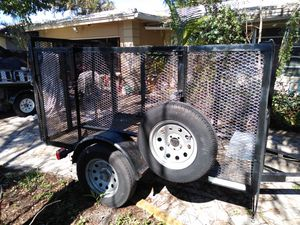 5'x8'x4' utility trailer in great condition for Sale in Hollywood, FL