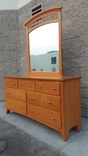 WOODEN DRESSER WITH MIRROR for Sale in Whittier, CA