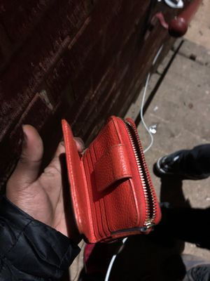 GUCCI wallet (limited addition) for Sale in Wheaton-Glenmont, MD