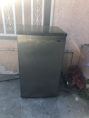 Refrigerador pequeño for Sale in Los Angeles, CA