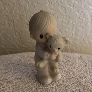 Precious Moments Jesus Loves Me Figurine for Sale in San Bernardino, CA