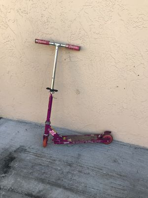 Scooter BARBIE pink for Sale in Miami, FL