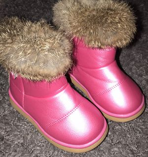 Toddler Girl winter boots for Sale in Milton, FL