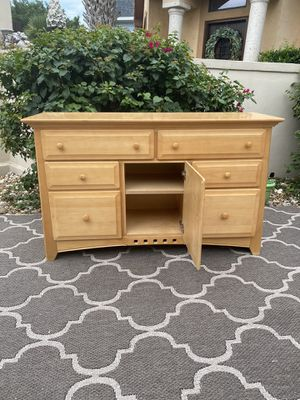 Dresser for Sale in Austin, TX