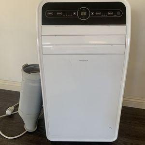 Insignia Portable 3-1 Air Conditioner for Sale in Los Angeles, CA