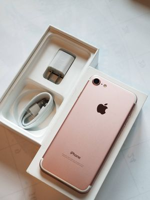 iPhone 7 , 128 GB ,,UNLOCKED for All Company Carrier, Excellent Condition like New for Sale in Springfield, VA