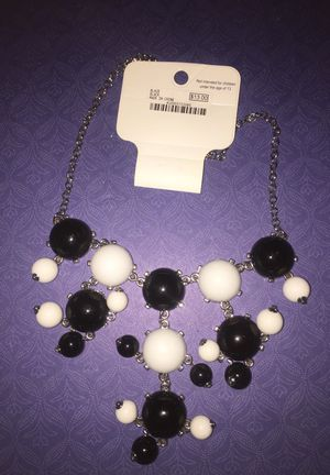 New with tag black & white bubble system necklace for Sale in Salinas, CA