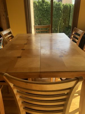 High Top kitchen table and 6 chairs for Sale in West Bloomfield Township, MI