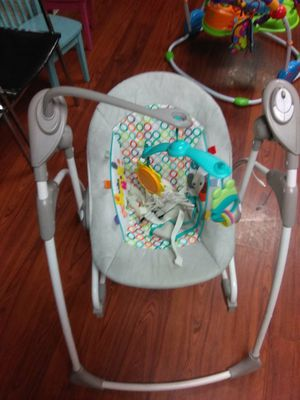 Baby swing and bouncer in one for Sale in Denver, CO