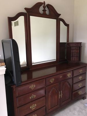 Cherry wood Vanity/dresser for Sale in Crownsville, MD