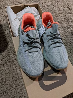 Adidas yeezy 350 9.5 for Sale in Dallas, TX