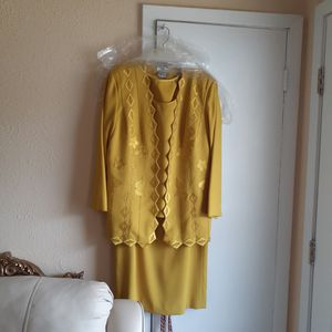 Woman clothes sizes 12 to 18 for Sale in Gulfport, MS