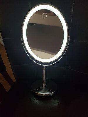Light up vanity makeup Mirror for Sale in Spring Valley, CA