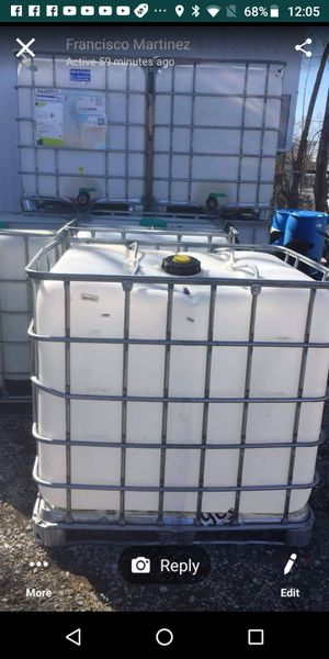 Plastic and metal containers 275 gallons for Sale in Chicago, IL