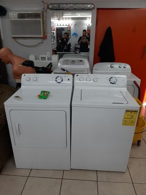Paired washer and dryer. Mint condition! Works new! And its going for the low.... for Sale in Tampa, FL