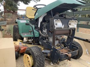 John Deere 425 lawn tractor for Sale in Riverside, CA